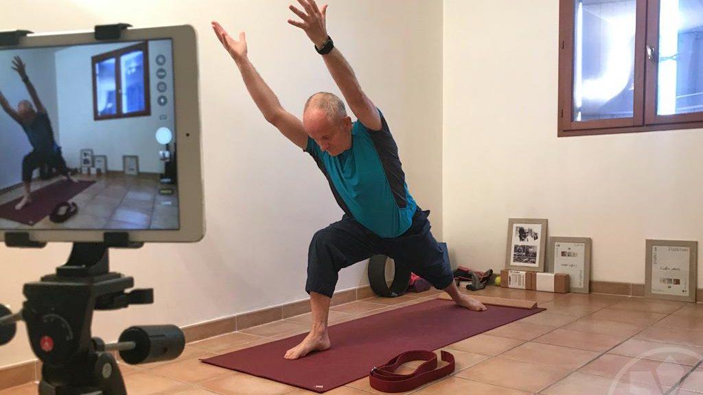 Cours de Yoga en ligne - covid19 (online yoga class)